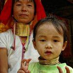 Представителки на племето карен