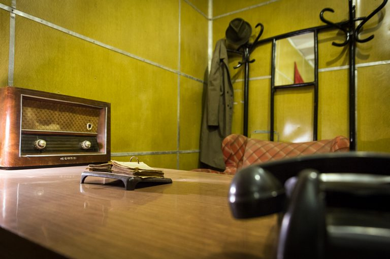Кабинетът на Енвер Ходжа (възстановка) в противоатомното скривалище в Тирана