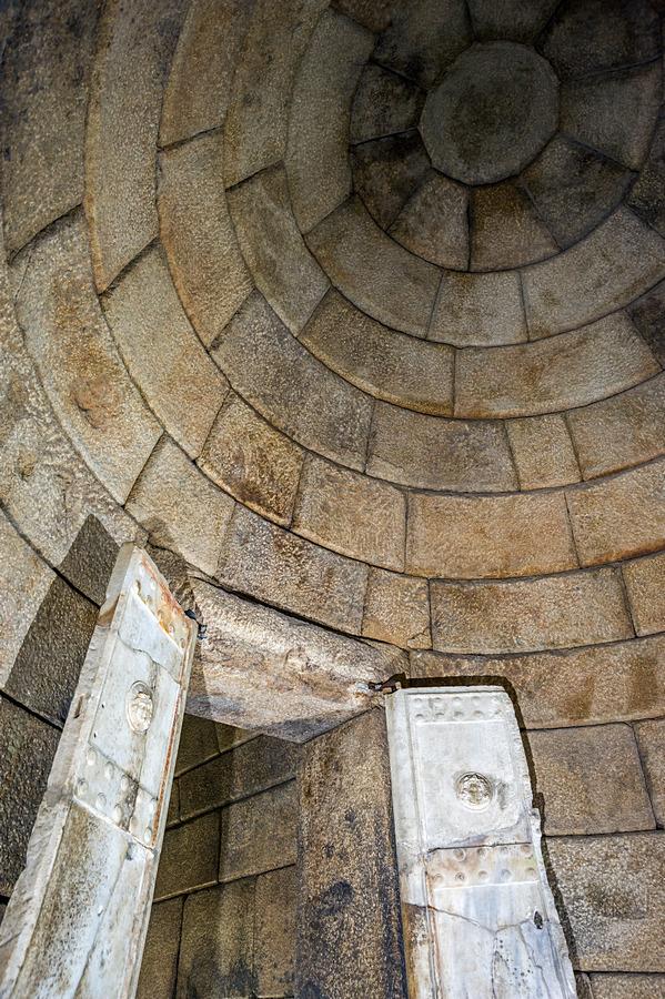 "Храм-гробница ""Голяма Косматка"""