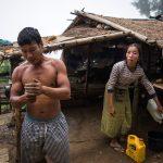 Крайпътен пазар на племето кхаму